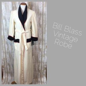 Vintage Bill Blass Robe. NWT